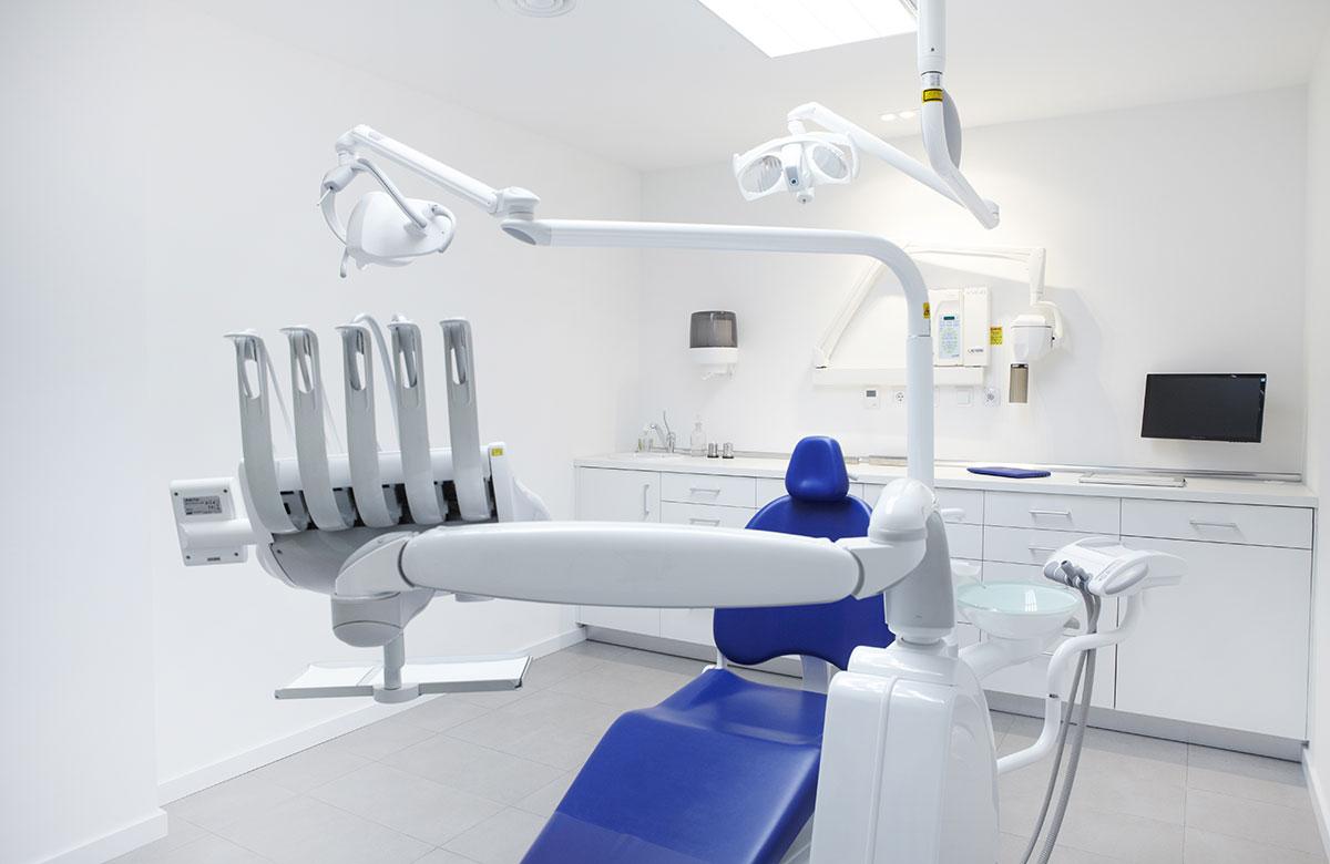 Interior Box clínica dental Bizar